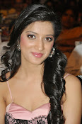 Richa panai latest glam pics-thumbnail-15