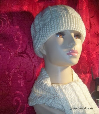 Классическая теплая белая шапка крючком куплю в г. Красноярск