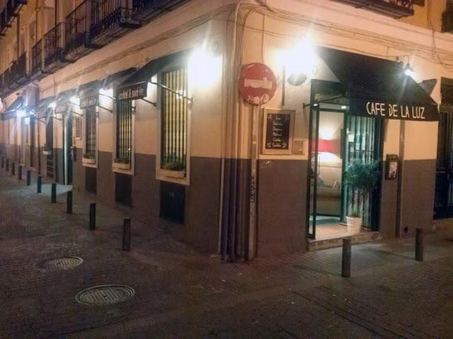 Fachada del Café de la Luz.