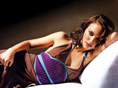 Natalie Portman Glam wallpapers cute dress