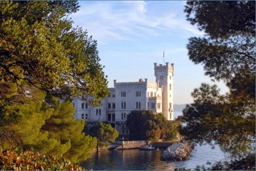 Cosa fare a Natale fuori Milano: visita al Castello di Miramare