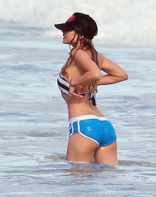 http://1.bp.blogspot.com/-npE7GkFHX3w/UK-97v4BAgI/AAAAAAAAE4Q/OhQPh4Y_-p0/s1600/gostosa+de+Shortinho+na+praia.jpg