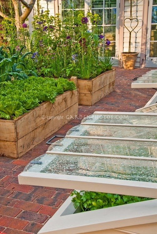 Raised beds beautiful garden idea outdoor areas for Beautiful raised gardens