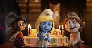 Naughties Smurfette Smurfs 2 animatedfilmreviews.blogspot.com