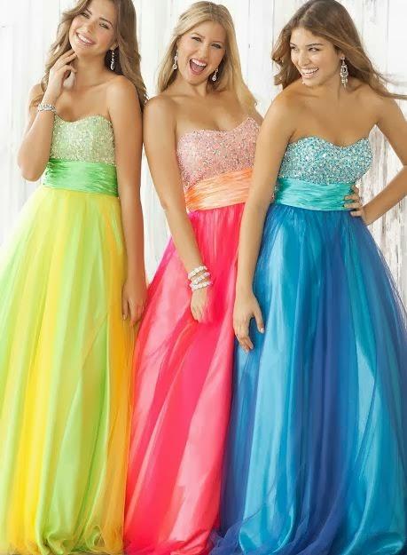 22 апр 2015 Красивые выпускные платья 2015 9 класс . . Итак, что же можно одеть на такую встречу, чтобы в вас была