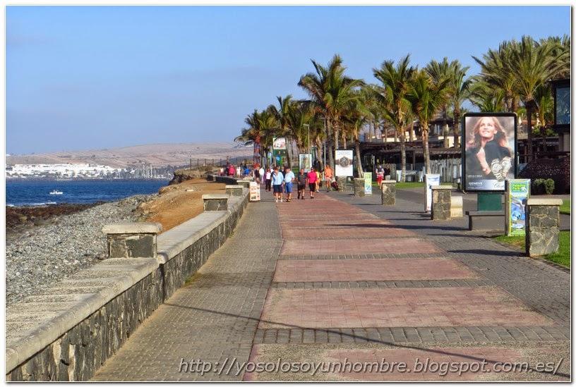 Paseo Maritimo otra vez, ya esquivando paseantes