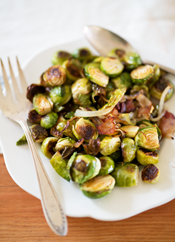 roasted brussels sprouts with caramelized onions and bacon