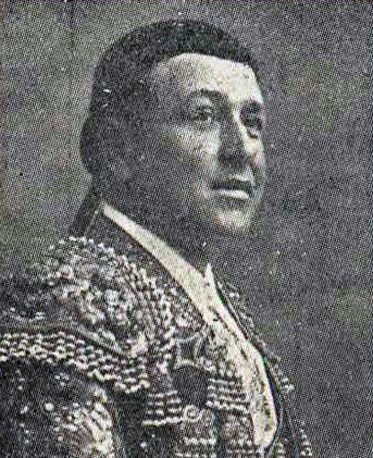 """Estuvo acompañado por Isidoro Marti y Matias Lara """"Larita"""". Se retiro en Sevilla donde murio el 15 de Febrero de 1936. - quinnito"""