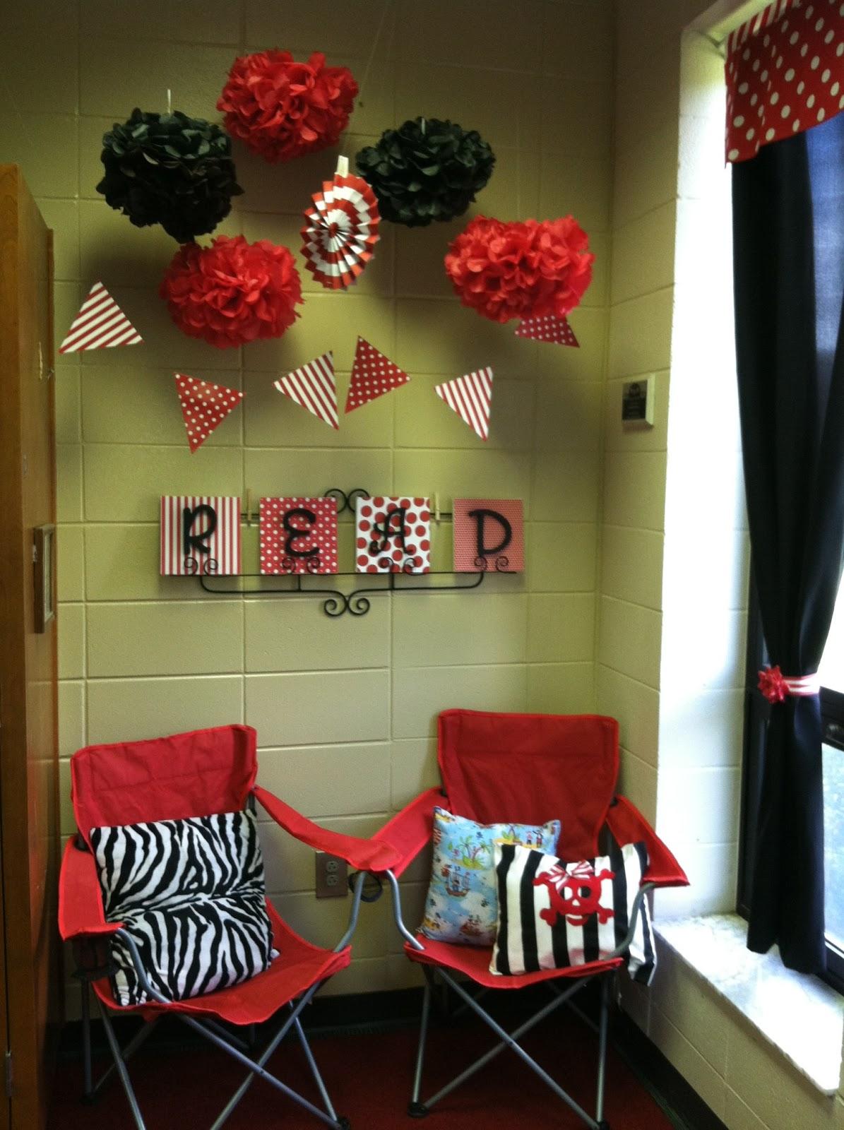 Classroom Theme Ideas For Reading ~ Peach teach sneak peek of my pirate themed classroom