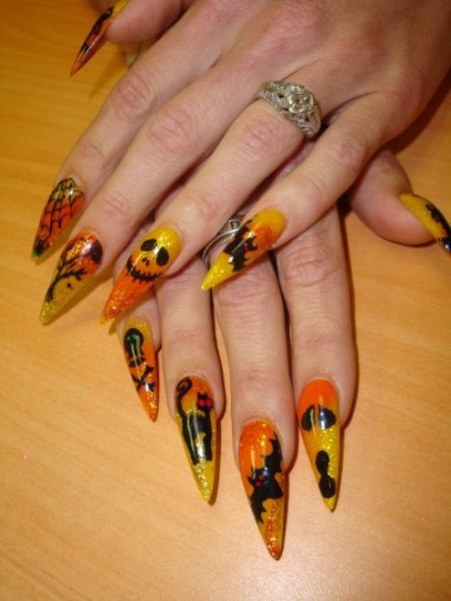 Fashion And Art Trend Halloween Nail Art Design