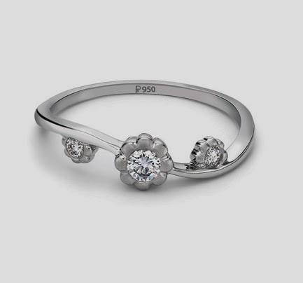 3 Diamond platinum ring for women