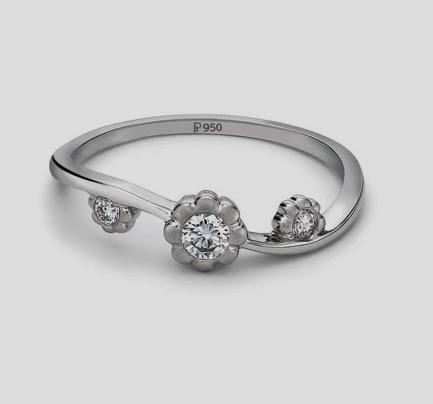 3 Diamond platinum ring for women