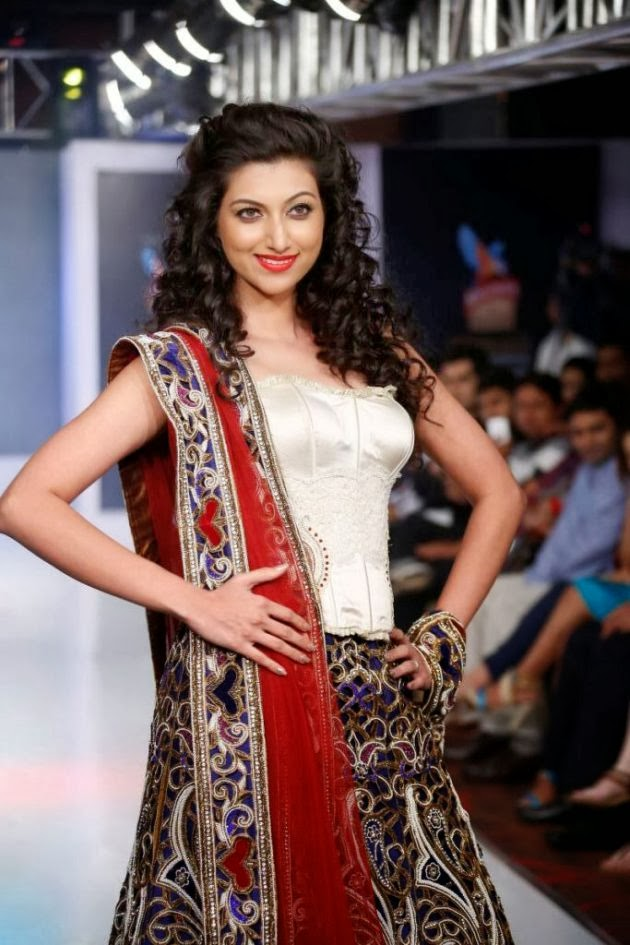Hamsa Nandini hot wallpapers