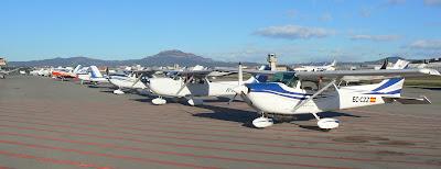 Zona d'aparcament dels avions de l'Aeroclub.