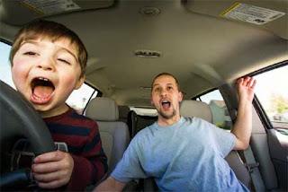 anak-mengemudi-mobil