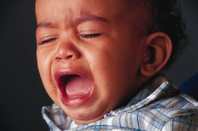 penyebab bayi menangis malam hari