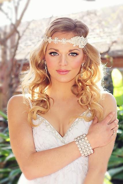 """Bohemian bridal lace headband - """"sophia Headband"""" with daisy chain"""