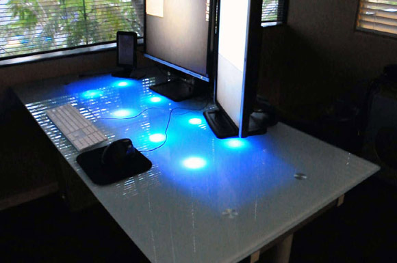 Glowing LED Desk Alerts you of Emails, IMs