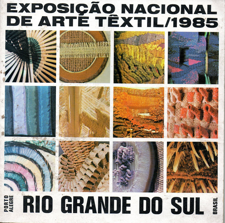 Catalogue cover of the Textile Event/ 85, Art Museum of Rio Grande do Sul, Brazil