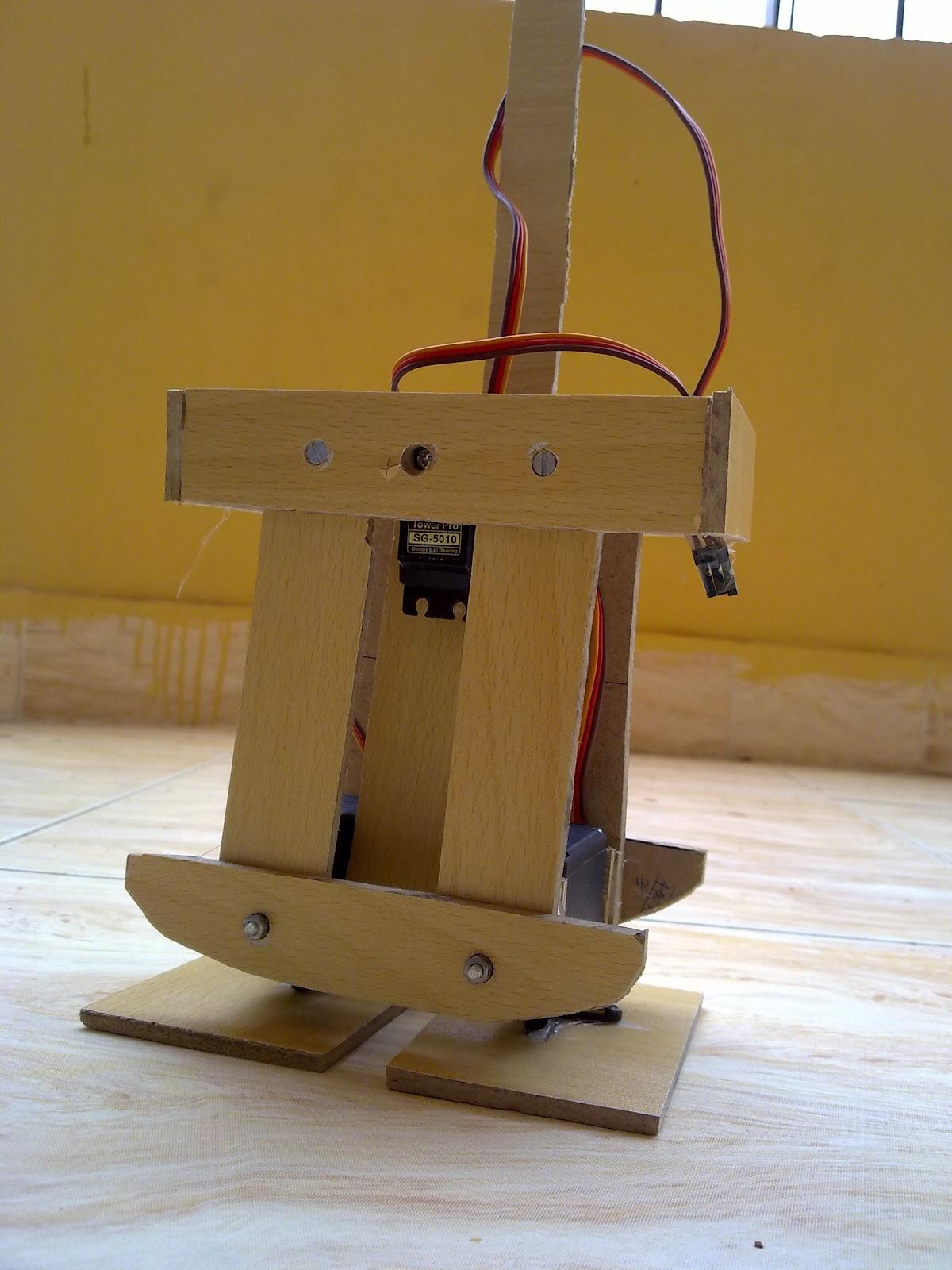 Make a walking robot using arduino and servos sample