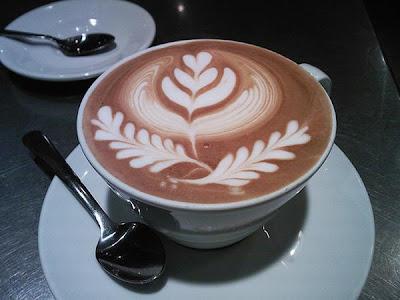 art gallery in a cup of coffee29 Koleksi Gambar Kesenian Corak Air Kopi dalam Gelas