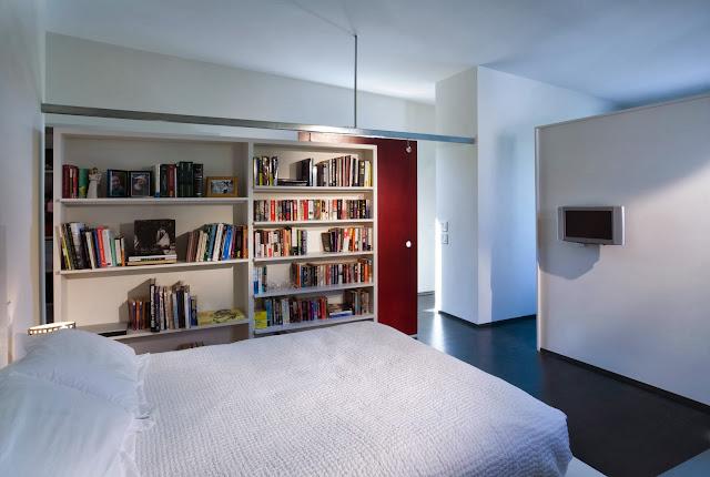 "simple bedroom design LEED House ""Like A Houseboat"""
