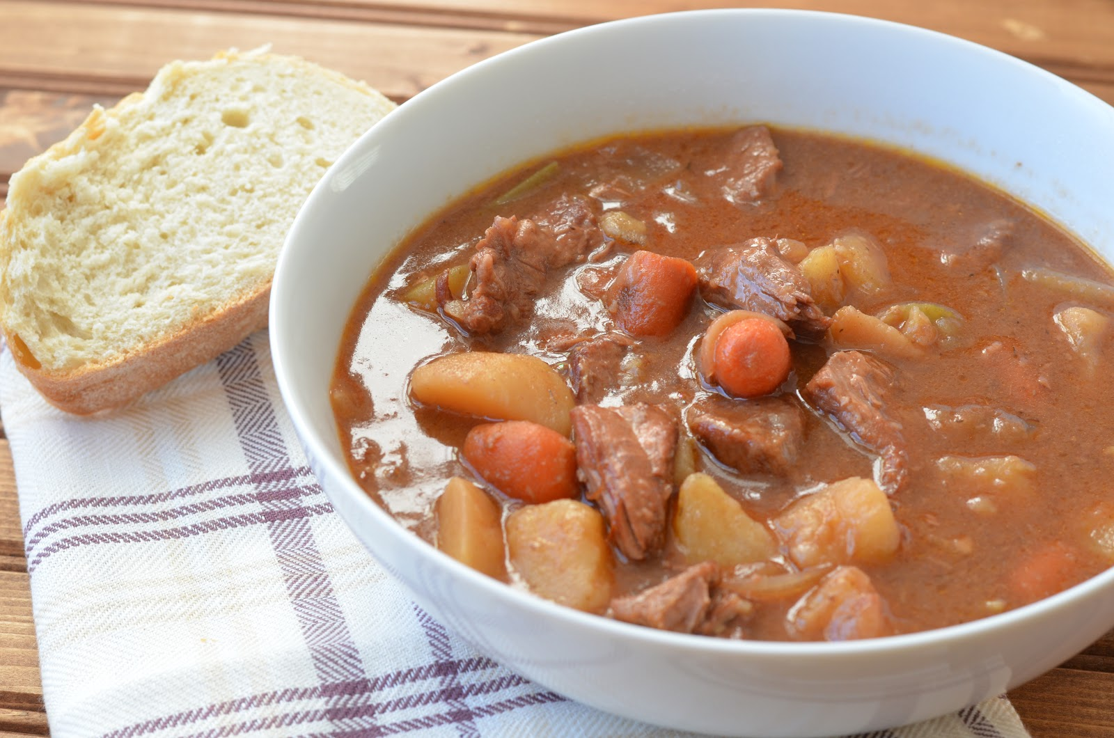 The Savvy Kitchen: Slow Cooker Drunken Irish Beef Stew