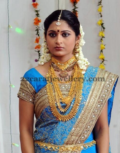Bride With Kerala Gold Jewellery Jewellery Designs