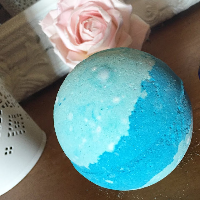 Lush frozen bath bomb review