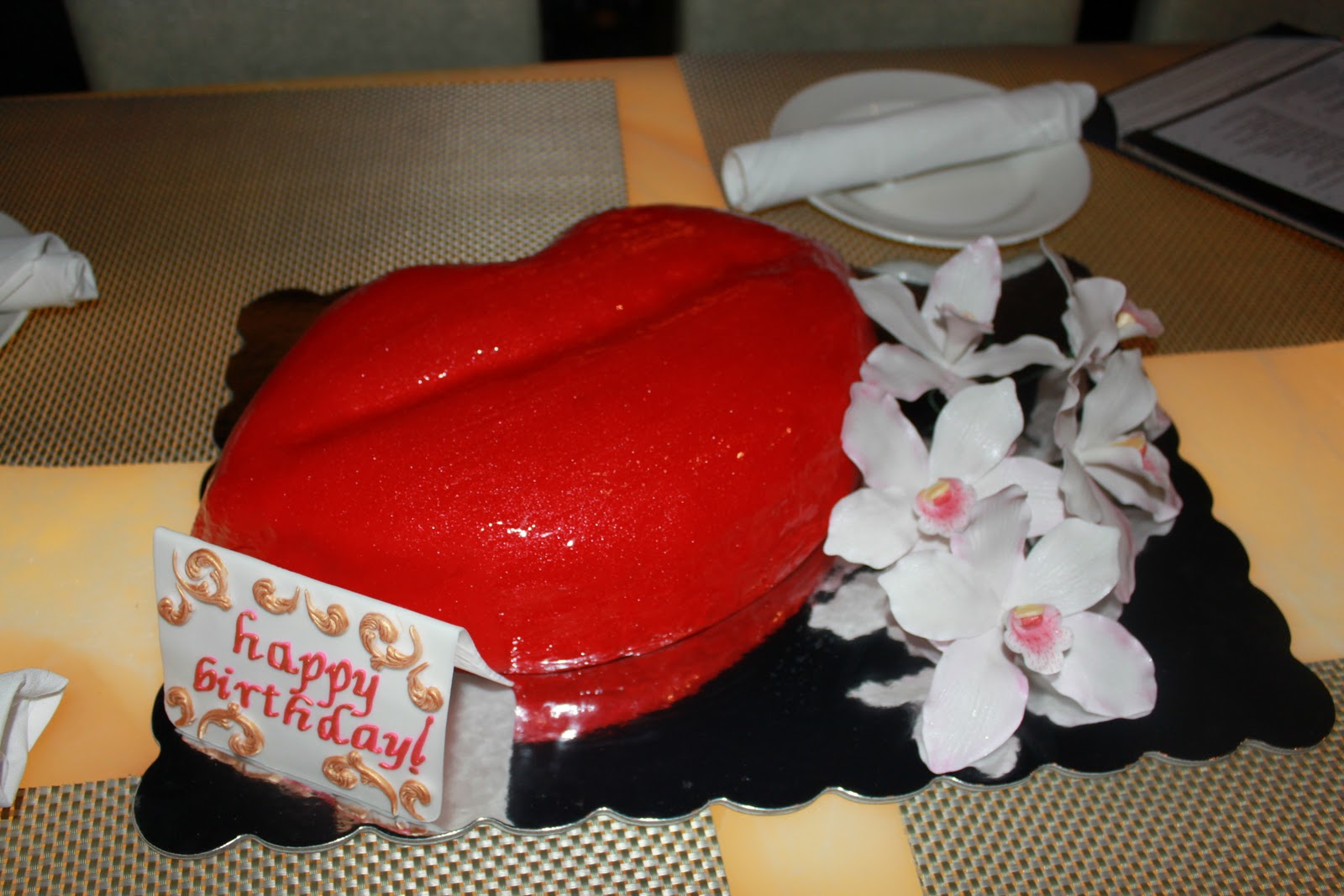 Red Lips Birthday Cake The Best Las Vegas Cake For You