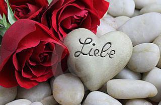 Echte Liebe ist mit dauerhaftem Glück verbunden.