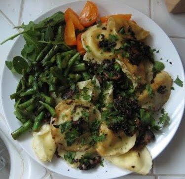 ravioli, green beans, tomato