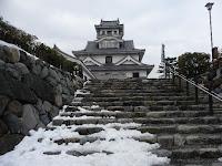 長浜城石段に残雪