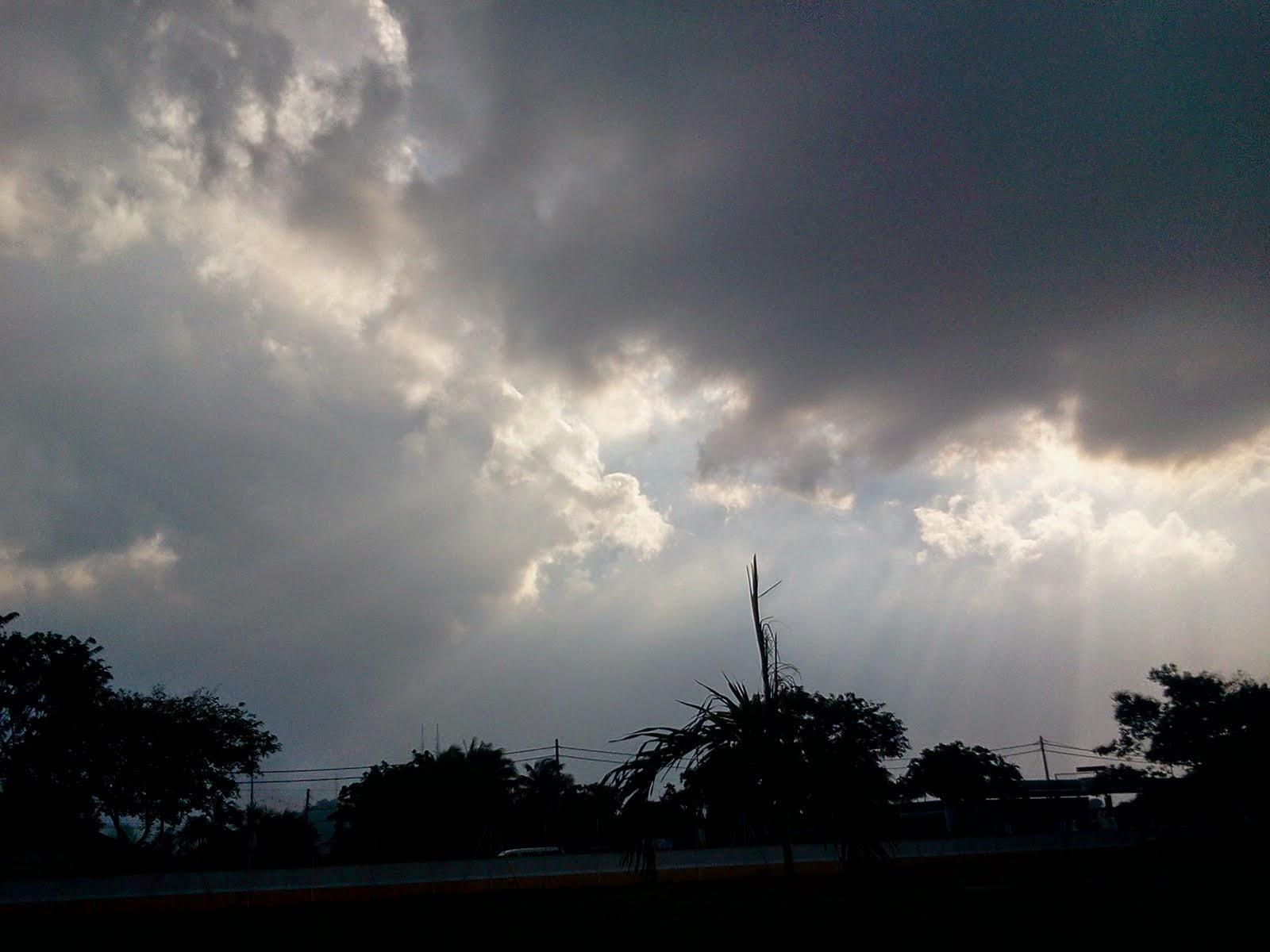 mimpi langit mendung gelap