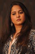 Anushka latest glamorous photos-thumbnail-21