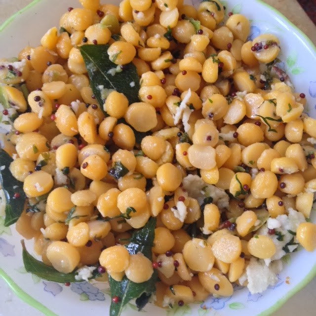 Kadlebele Kosambri / BengalGram Salad, chana dal salad