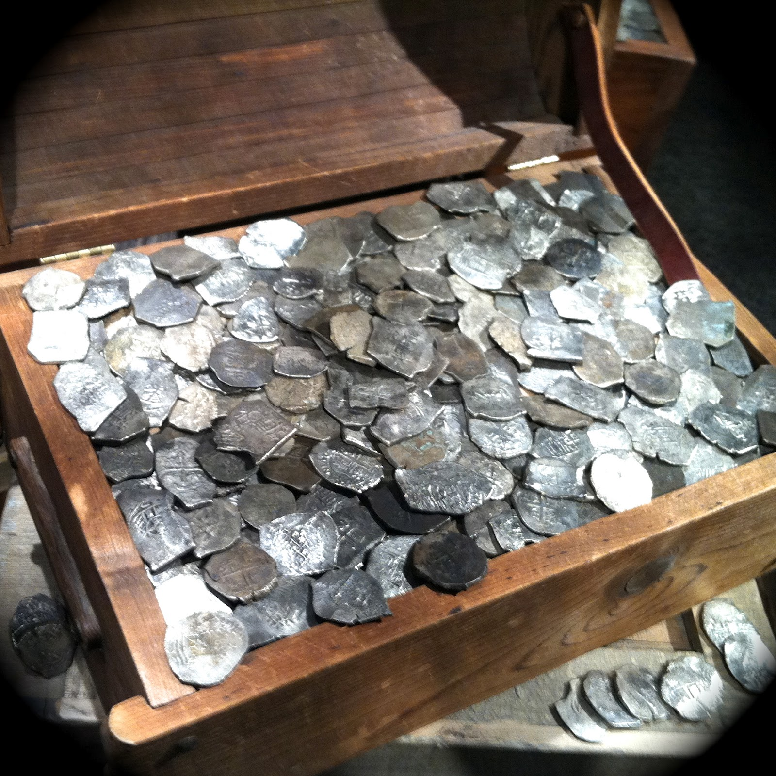 Real pirate treasure found - photo#1
