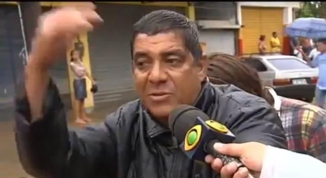 Zeca Pagodinho Dá de nojo de político, dá nojo dessa gente bandida.
