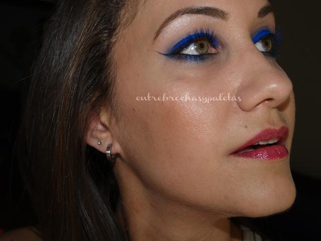 maquillaje intenso azul chaos