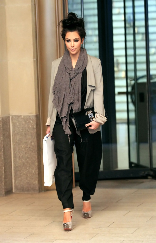 Fashion Beauty Glamour Kim Kardashian Out In La Wearing Her Louboutin Boulima