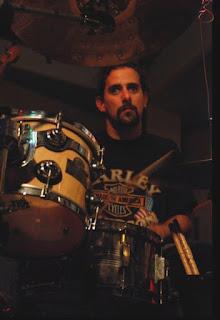 Federico Martin Carjuzaa, bateria buitre y la otra