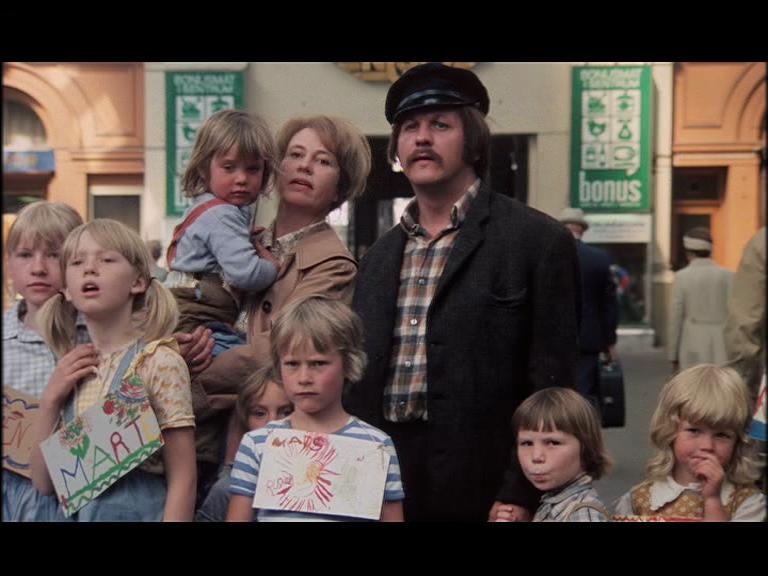 mormor og de åtte ungene i byen