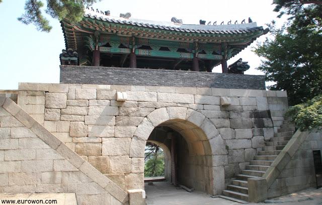 Puerta Bukdaemun de la muralla de Seúl