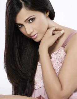 Shilpa Anand Cute and Spicy Pics Stunning Beauty