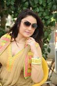 Sonia Agarwal latest glam pics-thumbnail-12