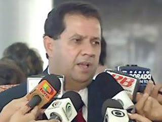 Brasil: CONTRADIÇÕES SOBRE VOO TORNAM INSUSTENTÁVEL SITUAÇÃO DE CARLOS LUPI
