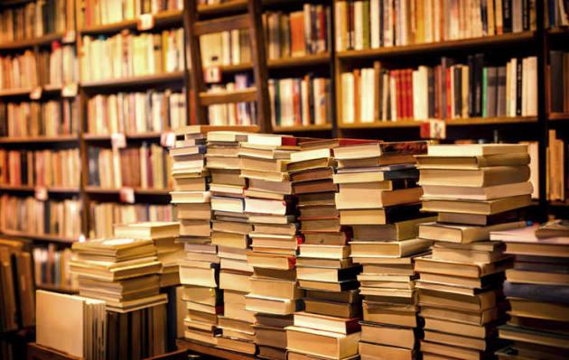 Biblioteca con 30.026 libros en español (EPUB) (27,34 GB)