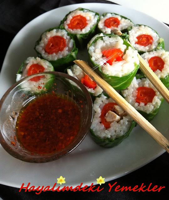 Pazı Yaprağı ile Sushi (Yalancı Suşi) Tarifi,resimli Yalancı Suşi  tarifi
