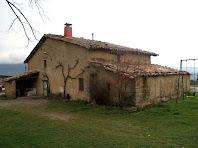 La façana de migdia del Mas Font de l'Òbi