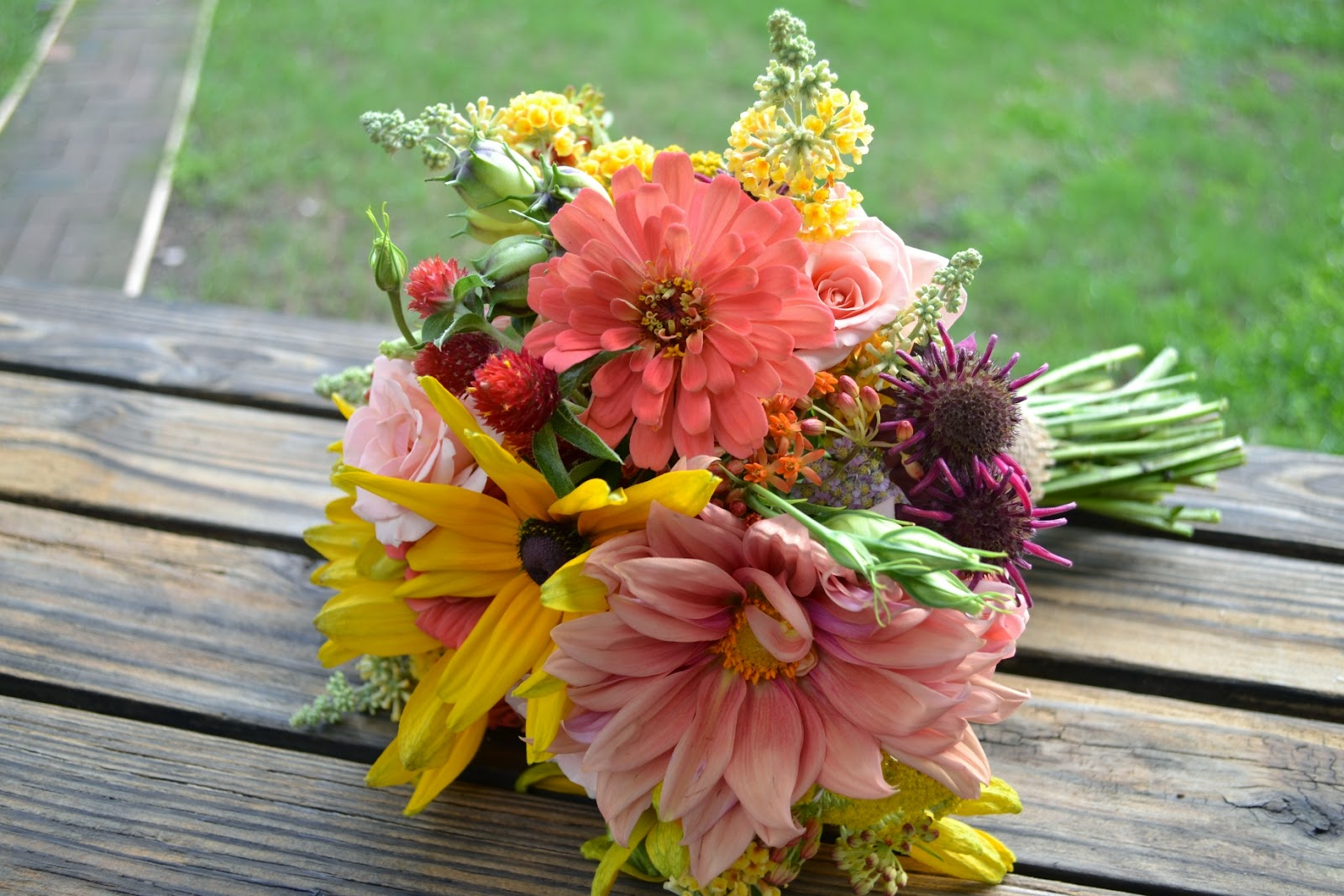 Wedding Flowers From Springwell Peach Dahlias And Zinnias With Black Eyed Susans For Summer